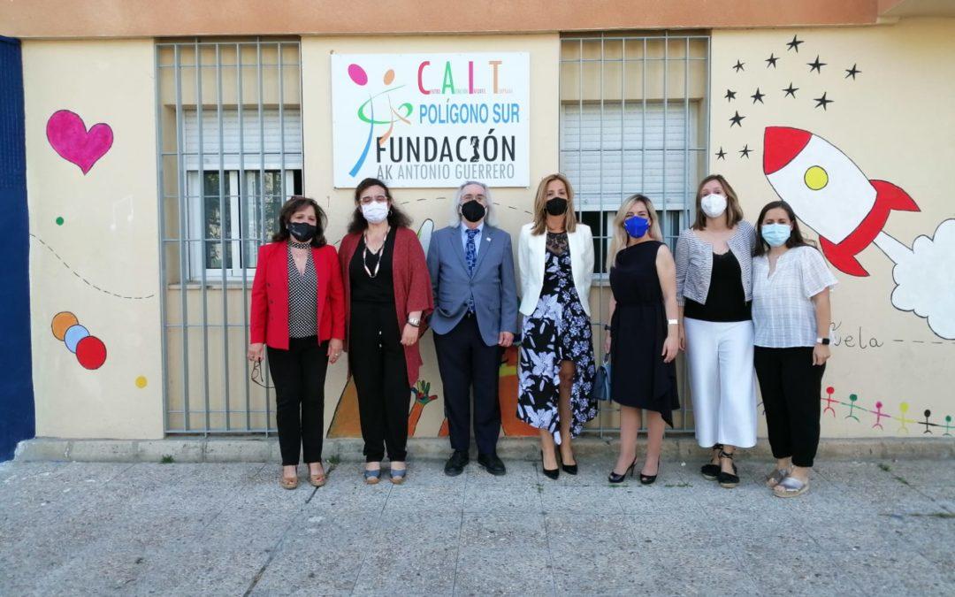 La Consejería de Educación visita el CAIT de Polígono Sur y 3.000 viviendas